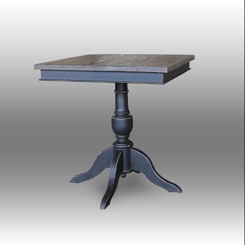 Table in Oak wood